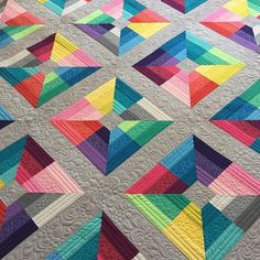 Stunning quilt by @abbythingsforboys quilted by @freebirdquiltingdesigns using Aurifil thread ❤️