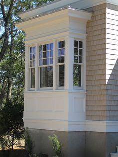 Bay windows are incredible assets for a home. Homes that are up for sale that have bay windows… Bay Window Exterior, Exterior Trim, Exterior Design, Detail Architecture, Windows And Doors, Bay Windows, Casement Windows, Front Windows, Window Design