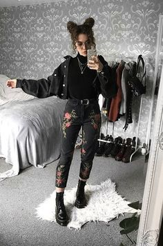 Irresistible outfits for the Darketita that you still wear in you . - - Irresistible outfits for the Darketita that you still wear inside you Look Fashion, Korean Fashion, Fashion Outfits, Womens Fashion, Fashion Black, Boho Outfits, Trendy Fashion, Black Outfits, Black Mom Jeans Outfit