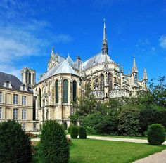 Reims - Site has suggestions for day trips from Paris