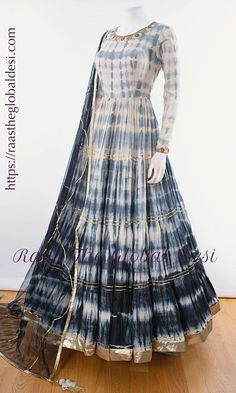 Shop premium range of Anarkali gown online USA,Indian clothes online, Indian dress near me , gown dress , wedding suits long dress and Long Gown Dress, The Dress, Indian Gowns Dresses, Pakistani Dresses, Indian Designer Outfits, Indian Outfits, Indian Clothes, Indian Designers, Designer Anarkali Dresses