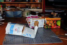 Villmarkshjerte: Hvordan lage en melkekartong-lommebok!!! Container, Crafts, Food, Crafting, Meals, Handmade Crafts, Diy Crafts, Arts And Crafts, Yemek