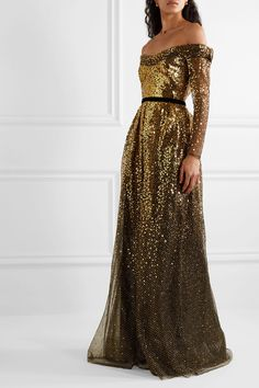 Black Off-the-shoulder velvet-trimmed ombré sequined tulle gown | Marchesa Notte | NET-A-PORTER Dress Me Up, Fancy Dress, Strapless Dress Formal, Nylons, Dress Outfits, Cool Outfits, Maxi Dresses, Beautiful Dresses, Nice Dresses