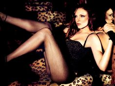 Laura Prepon Donna from That 70's Show great legs!!