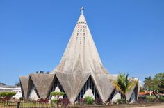 The Lemon Squeezer is possibly one of Maputo's most famous churches: http://eagerjourneys.com/48-hours-in-maputo/.