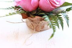 exquisitae arreglo floral rosas en lata de atun
