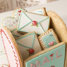 Valentine's Day Sugar Cookies, Sugar Cookie Royal Icing, Fancy Cookies, Iced Cookies, Cute Cookies, Cupcake Cookies, Cookies Et Biscuits, Summer Cookies, Cookie Favors