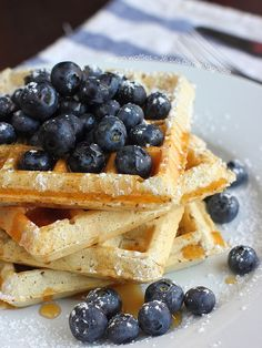 Fluffy and crisp vegan waffles that'll make your loved ones swoon as you pull this out for breakfast. | alimentageuse |