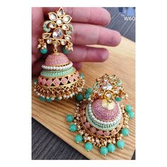 Fulfill a Wedding Tradition with Estate Bridal Jewelry Indian Jewelry Earrings, Indian Jewelry Sets, Jewelry Design Earrings, Indian Wedding Jewelry, Gold Earrings Designs, Ear Jewelry, India Jewelry, Glass Jewelry, Antique Jewellery Designs