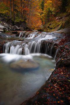 """ Ordesa; Water & Colors ""  By: Juan Pavon"