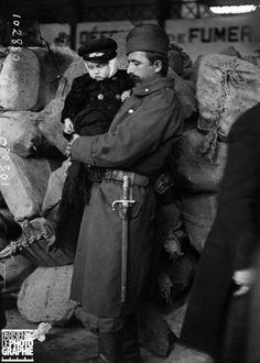 WWI, 1916, Serbian soldier and a child, France. -Gwendal Piégais (@GPiegais) | Twitter