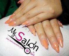 $ 140       Uñas acrílicas. Punta stiletto. Naranja fosforescente.  Organic Nails. Desing by Sarii Estrada