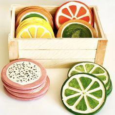Ceramic Clay, Ceramic Pottery, Pottery Art, Painted Pottery, Ceramic Decor, Painted Ceramics, Paint Your Own Pottery, Ceramic Spoons, Ceramic Houses