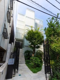 Rent from ¥45,000/month! Yotsuya May Flower House is located in a calm residential area, yet in the center of Tokyo. Its appearance gives you a feeling that you are in Europe, some people say that the building looks like a museum. That's Yotsuya May Flower House! When you enter the modern classic outside entrance gate imported from Europe, you can find a lot of greenery in the garden. On the first floor, the lounge is furnished with furniture bought in from Europe. Feel at home in Japan! Shinjuku Tokyo, Some People Say, Entrance Gates, May Flowers, Modern Classic, Worlds Largest, Greenery, Skyscraper