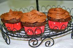 Palavras que enchem a barriga: Cupcakes de chocolate e café e uma prenda especial :)