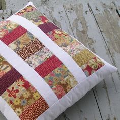 Sewing Cushions Quiltsy: Quilted Pillow by QuiltFinger Patchwork Cushion, Quilted Pillow, Patchwork Quilting, Crazy Patchwork, Diy Pillow Covers, Cushion Covers, Pillow Inspiration, Memory Pillows, Sewing Pillows