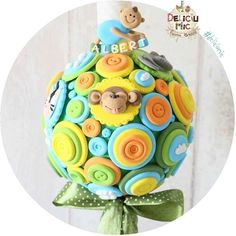 "Lumanare de botez ""Jungla verde mar"" decorata cu animalute: http://ift.tt/1siiZbA - http://ift.tt/1ipRjKg -"