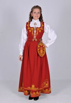 A very beautifull dress from Norway, I really would like to wear one of these one day. Summer Outfits Women, Girl Outfits, Norwegian Clothing, Beautiful Costumes, Ethnic Fashion, Women's Fashion, Folk Costume, Traditional Dresses, Folklore
