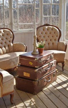 This is exactly what I want to do Suit Cases Coffee Table Suitcase Decor, Suitcase Table, Vintage Suitcases, Vintage Luggage, Kelly Wearstler, Vintage Trunks, Trunks And Chests, Hat Boxes, Furniture Styles