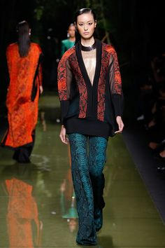 For real gimme these pants Balmain - Spring 2017 Ready-to-Wear