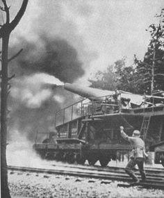 BIG GERMAN GUN IN ACTION