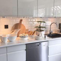 "Gefällt 1,380 Mal, 10 Kommentare - Hilde Løvåsen (@hildeloevaasen) auf Instagram: ""➰🍃Håper dere har en fin dag🍃➰#shanty2chic #interior125 #hem_inspiration #interior123 #kitchen…"""