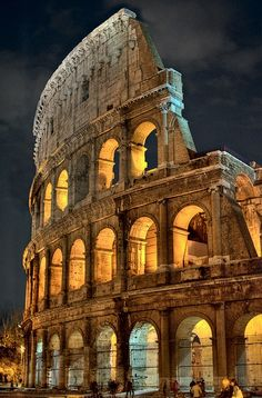 Colosseum, Rome, Italy - One of 5 famous landmarks for this weeks #TravelPinspiration on the blog: http://www.ytravelblog.com/travel-pinspiration-5-famous-landmarks/