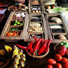 Ingredients for a cooking class in Ubud, Bali, Indonesia Cooking School, Cooking Classes, Cocos Island, Indonesian Cuisine, Restaurant Concept, Lombok, Bali Travel, Balinese, Ubud