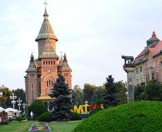 In Timisoara descopar in fiecare zi locuri minunate. Cu tehnologia 4G de la Orange le pot impartasi si cu tine! Pots, Romania, Big Ben, Mansions, House Styles, Building, Travel, Home Decor, Viajes