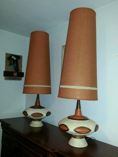 VINTAGE PAIR OF MID CENTURY TABLE LAMPS LARGE RETRO ORANGE MODERN LAMPS W/SHADES