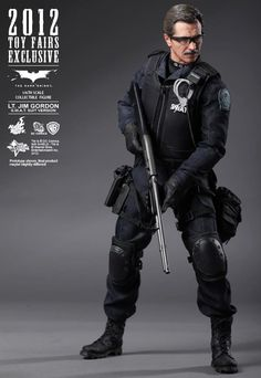 "Hot Toys Toy Fairs Exclusive: ""The Dark Knight"" 1/6th scale Lt. Jim Gordon 12"" Collectible Figure"
