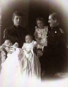 Maria Teresa Guglielmo Hohenzollern Sigmaringen ed i loro figli,tra cui i gemelli