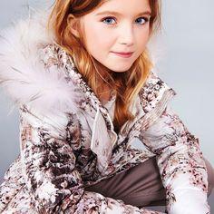 Vinterjakke med hætte og pelskant