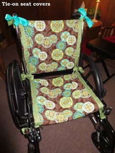 DIY tie-on seat cover for wheelchair - the link doesn't work but the picture gives you some ideas Sewing Tutorials, Sewing Crafts, Sewing Projects, Sewing Patterns, Walker Accessories, Wheelchair Accessories, In His Steps, Wheelchair Cushions, Diy Gifts
