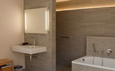 1000 images about badkamer on pinterest modern toilet for Badkamerverlichting spiegel