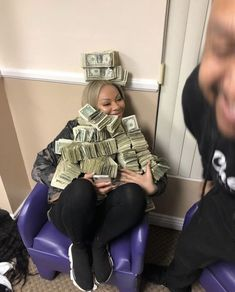Money Girl, Mo Money, How To Get Money, Fille Gangsta, Thug Girl, Money On My Mind, Business Baby, Gangster Girl, Money Stacks