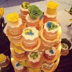 Mini bolos com flores combinando com a Copa !