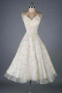 Beautiful Ivory Organza Dress ~ 1950's