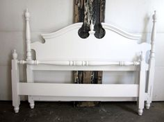 There are a few tricks to refinishing and selling pre-owned beds. See how this antique white queen bed was chosen and is now for sale in Entri Ways' shop. Antique Headboard, White Headboard, White Bedding, Antique Beds, Antique Furniture, Post Bed Frame, Old Bed Frames, Headboard Makeover, Headboard Decor