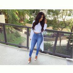 "1,237 Me gusta, 29 comentarios - Yvette G | Fashion| Fitness (@yvetteg23) en Instagram: ""#ootd Hair @bellamihair Lilly set in mochachino brown, use code ✨Yvetteg✨ to save on yours. Top:…"""