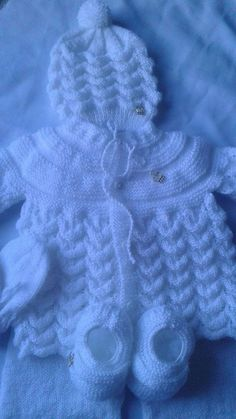Images Of Free Knitting Patterns For Bab - Diy Crafts - Qoster Knitted Baby Boots, Knit Baby Sweaters, Knitted Baby Clothes, Crochet Baby Booties, Baby Knitting Patterns, Baby Cardigan Knitting Pattern Free, Baby Patterns, Diy Crafts Knitting, Knitting Blogs