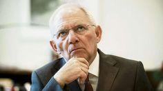 Bundesfinanzminister Wolfgang Schäuble: Im BamS-Interview - Es war sein Jahr: Wolfgang Schäuble (73, CDU) ist zum beliebtesten Politiker Deutschlands aufgestiegen. Seit der Griechenland- und der Flüchtlingskrise wird er sogar als Ersatzkanzler gehandelt. http://www.bild.de/bild-plus/politik/inland/wolfgang-schaeuble/im-bams-interview-43928946,var=a,view=conversionToLogin.bild.html