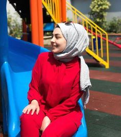 Image may contain: one or more people, people sitting, child and outdoor Hijab Style Dress, Hijab Chic, Hijab Outfit, Hijabi Girl, Girl Hijab, Hijab Dpz, Quinceanera Photography, Beautiful Muslim Women, Girly Pictures