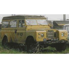 Land Rover 109 Longo Série III, de 1975, que pertenceu à CP, (chassis especial de vias largas) diesel 2285 cm3 - Modelo raro, completo, revisto mecanicamente e inspeccionado. Contacto: paulopesporto@gmail.com 11/05/2016 02:00