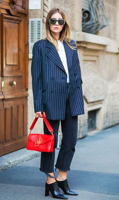 The top street style mavens have decided what color combination will be everywhere this spring. Keep reading for the best blue-and-white street style.