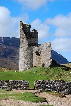 Medieval ruined Ardvreck castle situated in Sutherland, Highlands, Scotland
