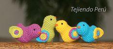Pajaritos con alas de colores pattern by Esperanza Rosas