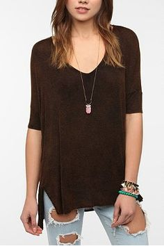 Daydreamer LA Mineralized Fitted Sleeve V-Neck Tee