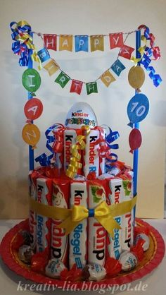 Hello everyone For a children& birthday I have another children& bar . - Hello everyone For a children& birthday party, I made another children& bar cake … - Presents For Kids, Kids Gifts, Craft Gifts, Unique Birthday Gifts, Diy Birthday, Candy Bouquet, Candy Gifts, Chocolate Gifts, Birthday Decorations