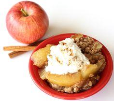 Crock Pot Dump Cake {apple spice} Slow Cooker Recipes Dessert, Crockpot Dessert Recipes, Crock Pot Desserts, Apple Recipes, Sweet Recipes, Cooking Recipes, Fun Desserts, Holiday Recipes, Easy Recipes